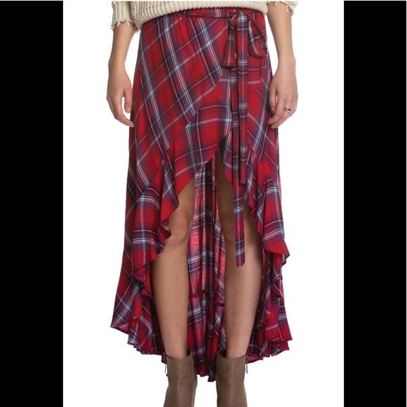 67c77841eb9d71 Elan Red & White Plaid Skirt High-Low. M_5be76cf712995539d9103b74